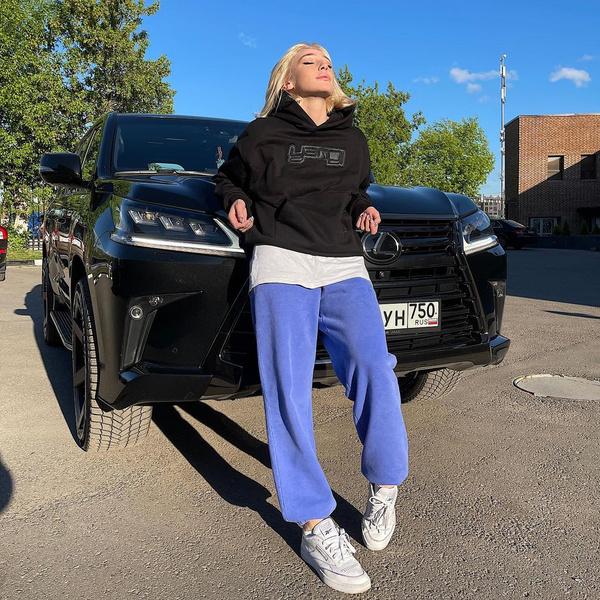Настя Ивлеева сейчас главная звезда российского блогинга