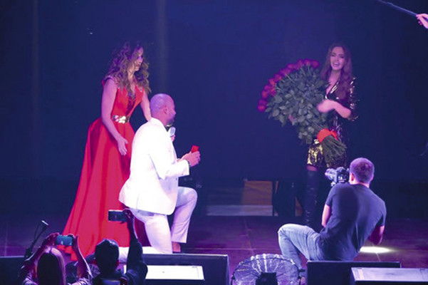 Мондезир сделал ведущей предложение на концерте Ольги Бузовой