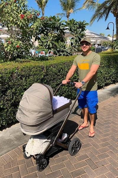 Эмин Агаларов наслаждается отцовством
