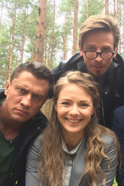 На съемках сериала «Мажор» Дмитрий успел подружиться с исполнителями главных ролей