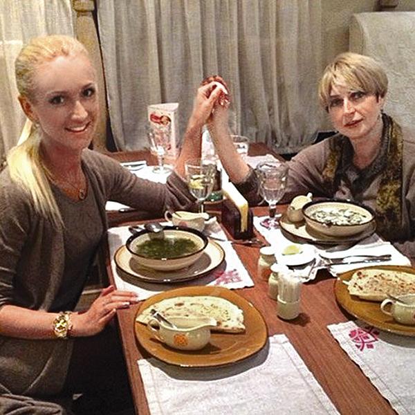 Раньше Ольга делилась в инстаграме счастливыми фото со свекровью