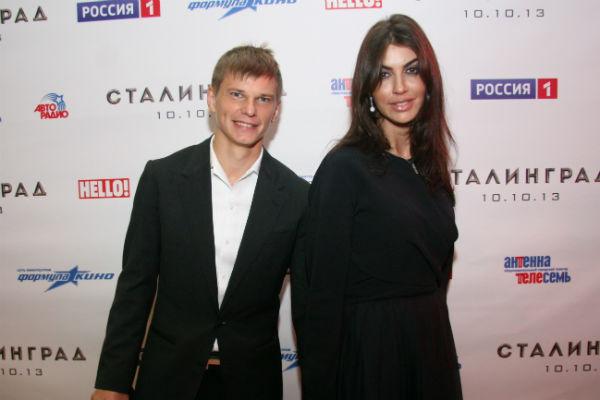 Спортсмен ушел от жены  Алисе Казьминой