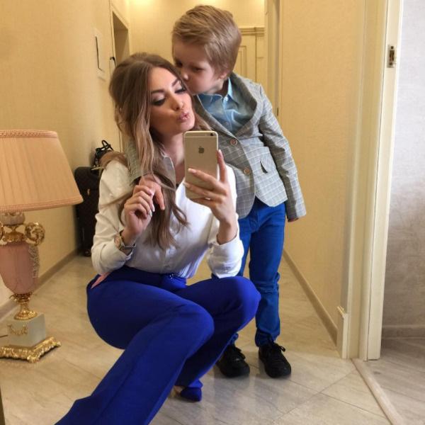Евгения хочет, чтобы пересуды обошли ее семью стороной