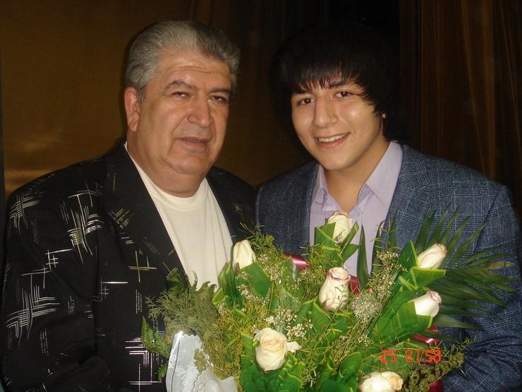 Артист выступал вместе с внуком