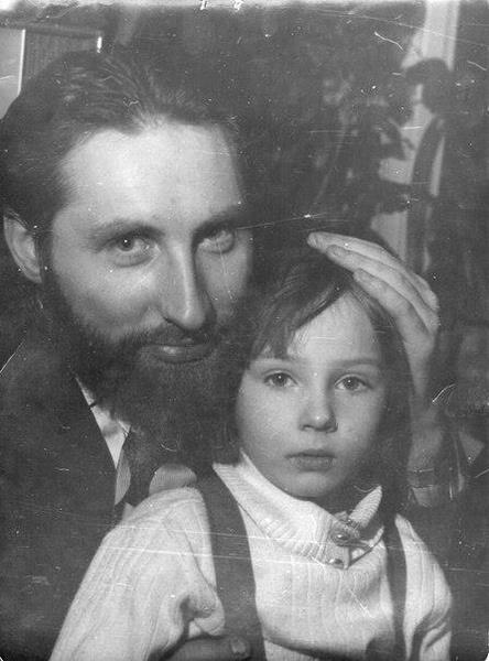 Наталья рассказывала, что ее папа Петр Кадочников умер в результате несчастного случая, но бытовала и версия о непредумышленном убийстве