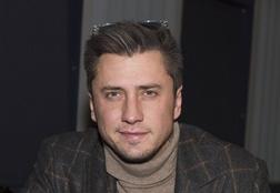 Не скрывая чувств. Выходные Павла Прилучного и Мирославы Карпович в Казани