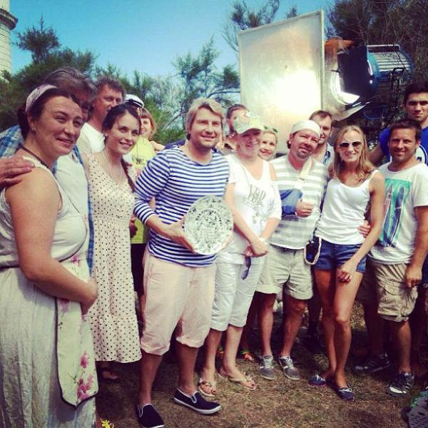 Николай вместе со съемочной группой