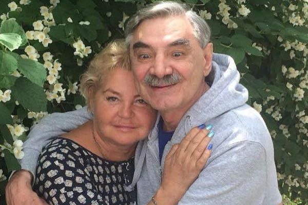 Александр Панкратов-Черный женился на Юлии в 2012 году
