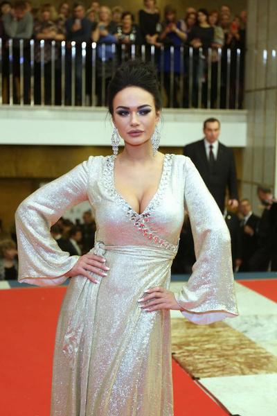 В конце 2019 года пошли сплетни о романе юмориста с актрисой Яной Кошкиной