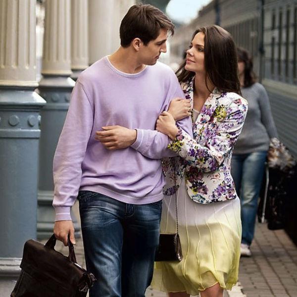 В сериале «Долгий путь домой» Михаила связывают любовные отношения с героиней Елизаветы Боярской Боярской