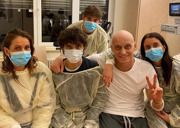 Олегу Тинькову пересадили костный мозг