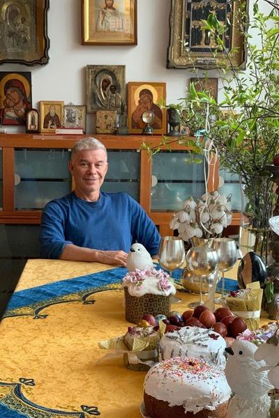 Олег Газманов отмечает Пасху с семьей