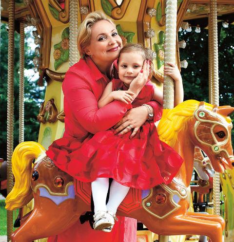 В этом году Светлана планирует записать 5-летнюю дочь Варю в цирковую студию