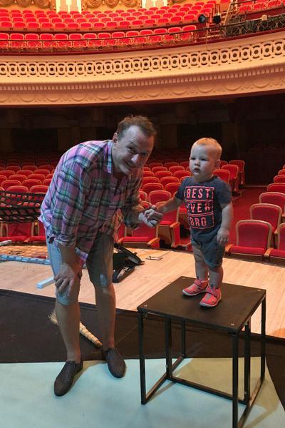 Марсель с папой в театре