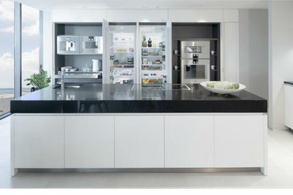 В дизайне квартиры преобладают светлые цвета