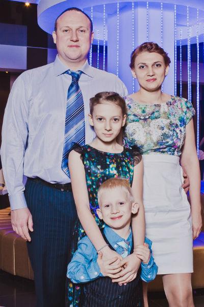 Алексей и Олеся решили: что ни делается, то к лучшему. Кристине не пришлось менять школу, а сын Арсений ходит в свой садик