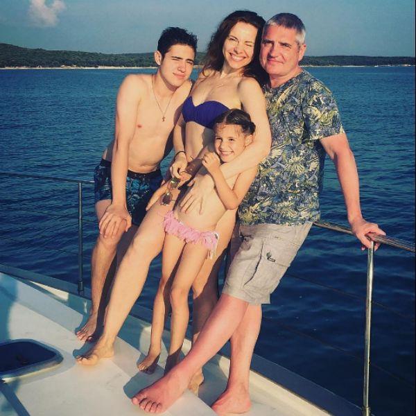 Екатерина Гусева с семьей на отдыхе