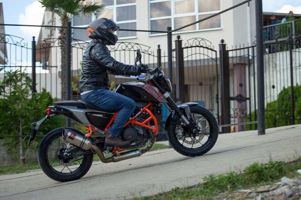 Пока актер не спешит покупать мотоцикл
