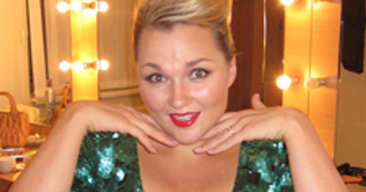 Участница Comedy Woman призналась, что вышла замуж за иностранца