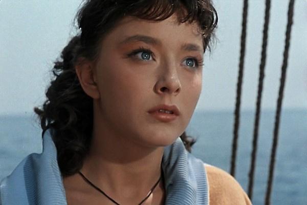 Режиссеры отмечали, что Анастасия Вертинская выделялась из толпы благодаря выразительным глазам