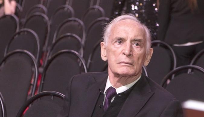 Василий Лановой отменил спектакли из-за болезни