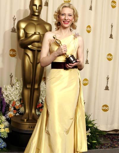 Кейт Бланшетт отпраздновала триумф в 2005 году в платье от Valentino
