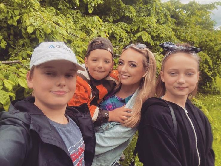 Светлана сейчас в Словении с тремя детьми