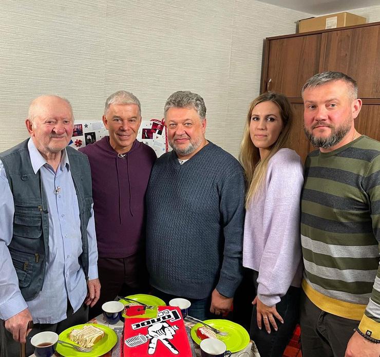 Михаил Серебряков успел сдружиться с наставником шоу Олегом Газмановым