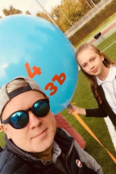 Сергей воспитывает и старшую дочь от первого брака