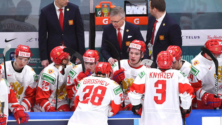 Капитан Василий Подколзин пытался мотивировать команду до последних минут личным примером