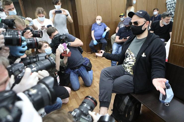 Кирилл Серебренников в здании Мещанского суда
