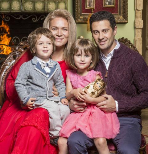 Антон и Виктория Макарские с дочерью Машей и сыном Ваней