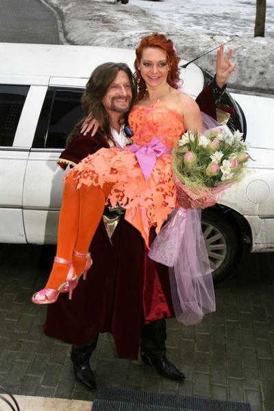 Во дворце Дурасова таких ослепительных невест еще не видели. 2008 год