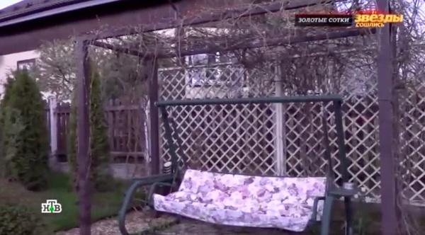 На участке Климова создала уют