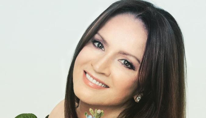 Директор Софии Ротару раскрыл ее доходы