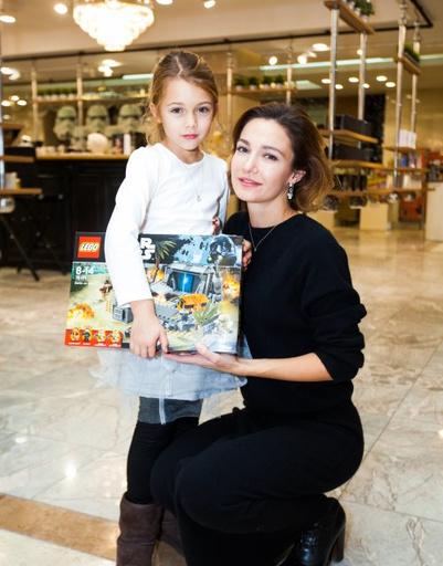 Актриса Евгения Брик с дочерью Зоей