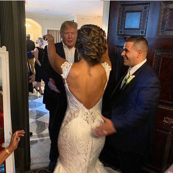 Трамп сделал молодоженам сюрприз своим появлением