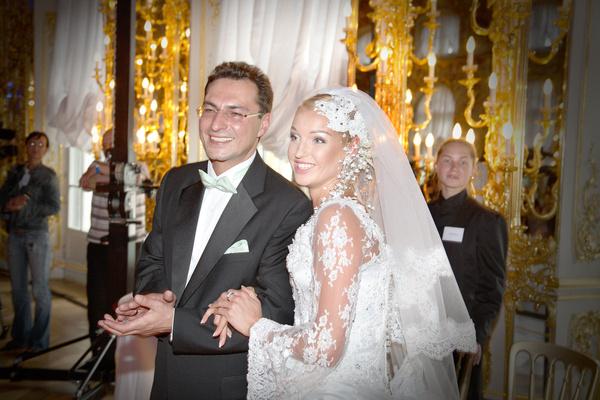 Отношения с Игорем Вдовиным закончились браком, который позднее Волочкова назвала инсценировкой