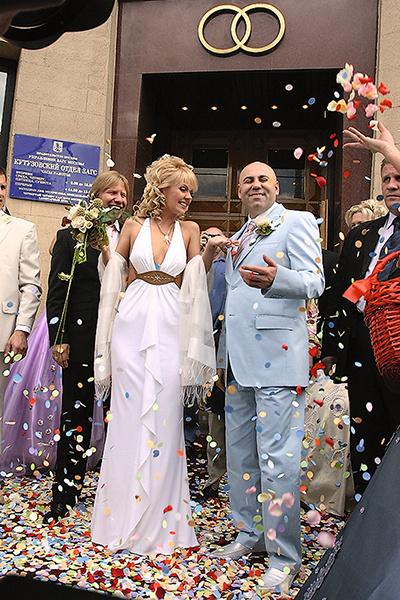Продюсер и певица поженились 5 июня в Кутузовском загсе Москвы