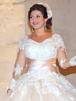 Жасмин на свадьбе с бизнесменом Иланом Шором