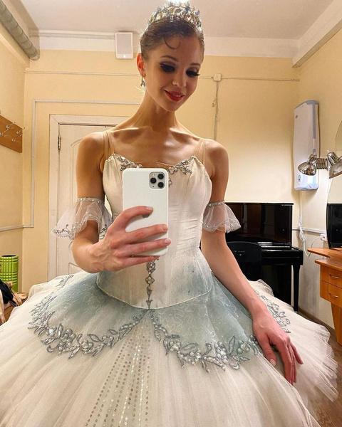 Анжелина когда-то была солисткой балетной труппы Большого театра