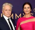 Кэтрин Зета-Джонс и Ким Кардашьян: лучшие наряды звезд на премии «Эмми-2019»