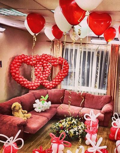 Комната Гобозовых была оформлена шариками