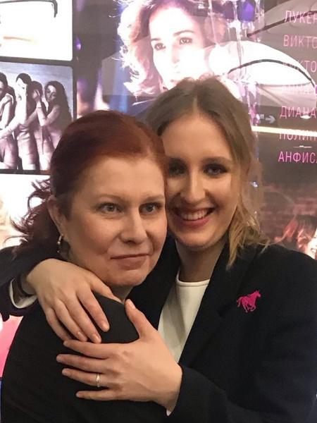Виктория очень гордится дочерью