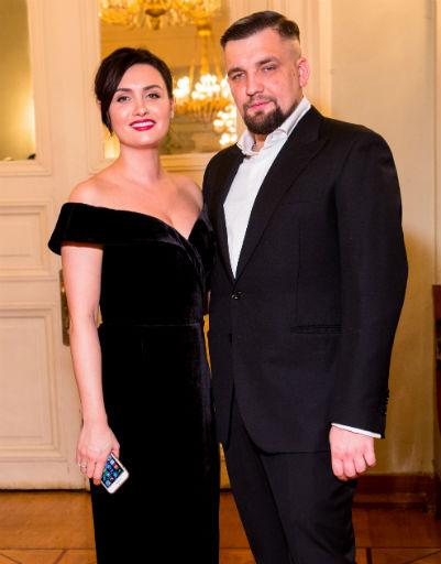 Рэпер Баста с женой Еленой Пинской