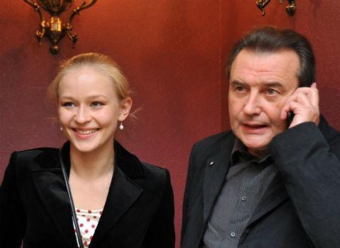 Юлия Пересильд объяснила, почему не дала дочерям фамилию Алексея Учителя