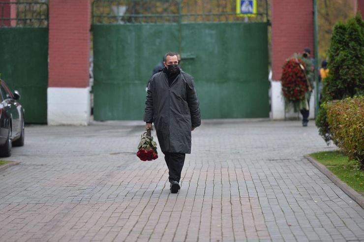 Игорь Верник прибыл одним из последних на кладбище