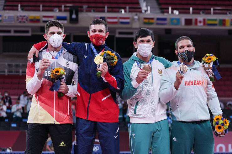 Недавно спортсмен из Грузии взял золотую медаль в дзюдо
