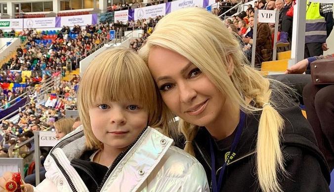 Яна Рудковская: «Сын сам оплачивает себе няню, водителя и охрану»