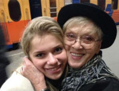 Внучка Алисы Фрейндлих: «Мама и бабушка сразу приняли моего жениха»